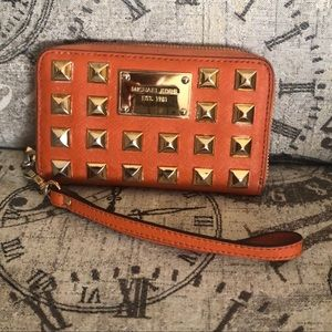 Price is Not Firm—Michael Kors PYRAMID Wallet